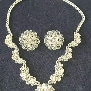 Lot # 235   Fashion Jewelry Set