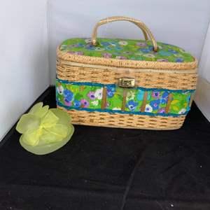 Lot # 36 Adorable Sewing Box & Bunny Soap Dish