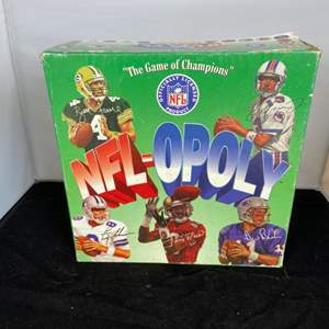 Lot # 41 NFL-Opoly Board Game