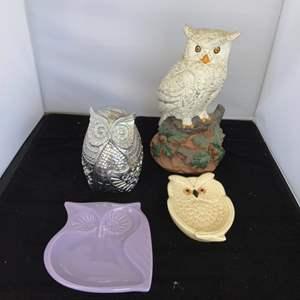 Lot # 61 Owl Decor