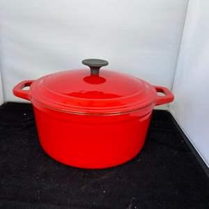 Lot # 72 Red Martha Stewart Dutch Oven