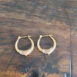 Lot # 117 10k Gold Earrings- TW .75g