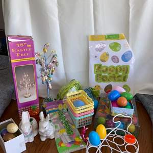 Lot # 134 Easter Decor