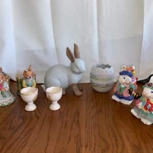 Lot # 135 Bunny Figurines