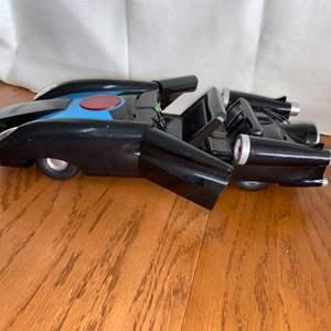 Lot # 193 Disney Incredibles 2 Battery Operated Car