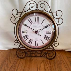 Lot # 244 Sterling & Noble Battery Operated Wall Clock