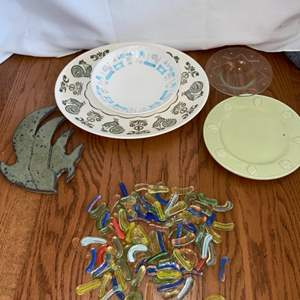 Lot # 249 Collection of Glass Pieces & Plates