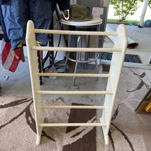 Lot # 267 Wood Quilt Rack