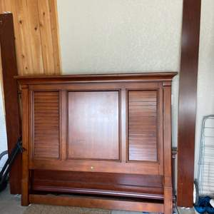 Lot # 277 Nice Wood Panelled Queen Size Headboard (No Rails or Footboard)
