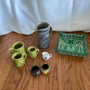 Lot # 284 Ceramic Home Decor