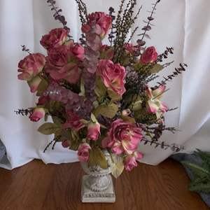 Lot # 291 Beautiful Floral Arrangement in Vase