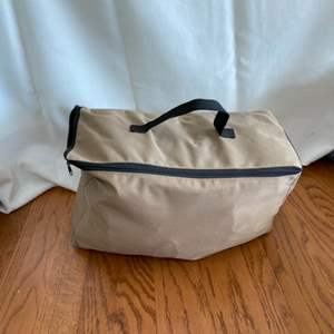Lot # 303 Vehicle Rooftop Storage Bag New