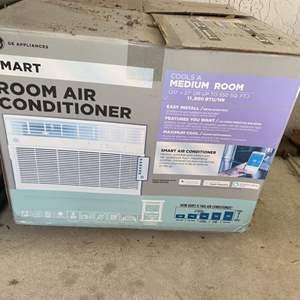Lot # 383 GE Smart Air Conditioning Unit See Description