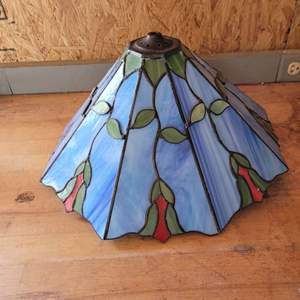 Lot # 44 Beautiful Tiffany Style Stained Glass Lamp Shade