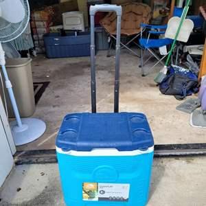 Lot # 68 Igloo Hard Cooler on Wheels