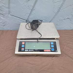 Lot # 120 Tor Rey Weigh Scale w/ Power Adapter