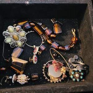 Lot # 151 Crafting Jewelry