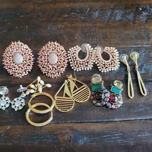Lot # 153 Wonderful Assortment of Ladies Earrings