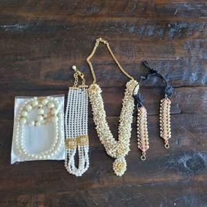 Lot # 206 Assorted Fashion Jewelry