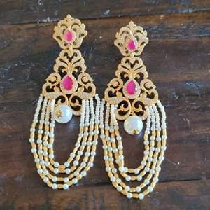 Lot # 216 Beautiful Earrings