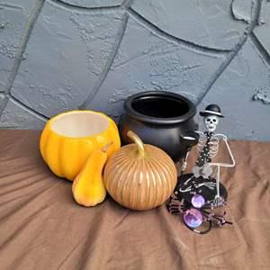 Lot # 234 Halloween Decorations