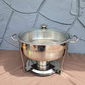 Lot # 249 Nice 4 Quart Stainless Steel Chafing Dish w/ Lid