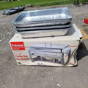 Lot # 253 Nice 9 Quart Stainless Steel Chafing Dish & Tin Foil Disposable Pans