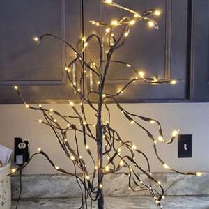Lot # 275 Small Table Top Lighted Tree