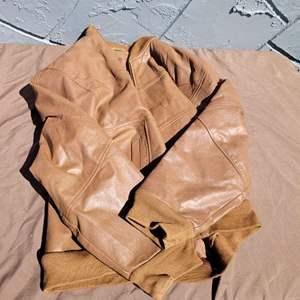 Lot # 277 Leather Jacket - Size L