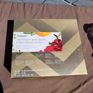 Lot # 287 Teavana Tea Collection Gift Box