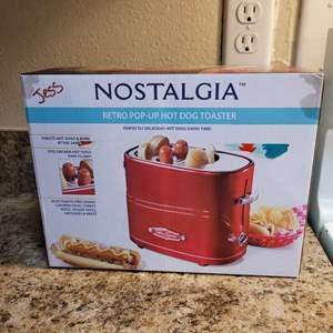 Lot # 339 Nostalgia Pop Up Hot Dog Toaster - Works Great!