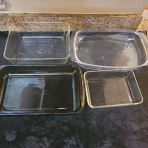 Lot # 344 Set of 4 Pyrex Baking Dishes