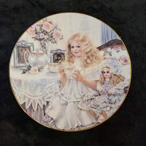 Lot # 362 Victoria by Corrine Layton 1989 Collector's Plate - Nice!