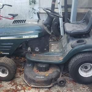 Lot # 389 Craftsman LT1000 Riding Lawn Mower - See Description