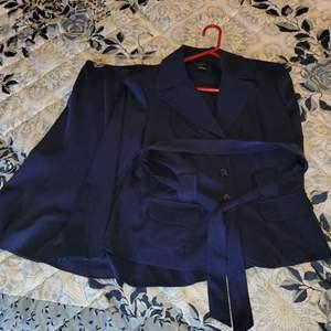 Lot # 399 Ladies Courtenay Skirt Suit - Size 12