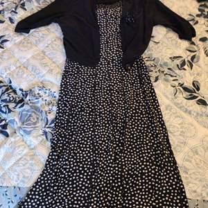Lot # 400 Ladies Perceptions Dress w/ Matching Sweater Jacket - Size 10
