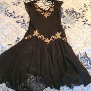 Lot # 403 S.L Fashions Ladies Cocktail Dress - Size 10