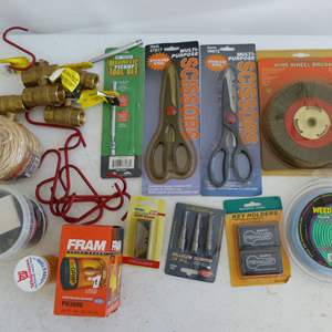 Lot # 313  Lot of new & lightly used tools