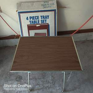 73 set of four vintage TV trays in box