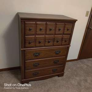 79 chest of drawers very nice