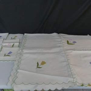 Lot #49 Vintage Hand Appliqued Linen Tablecloth with 12 Napkins