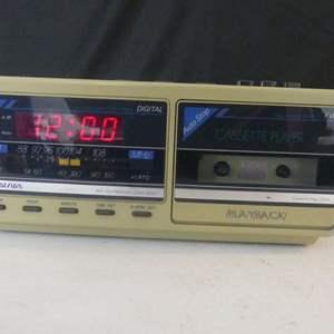 Lot #76 Vintage (c. 1980s) Soundesign AM/FM Cassette Clock Radio - Everything Works!