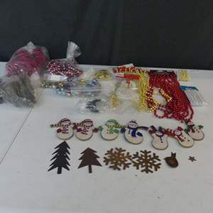 Lot #86 Christmas Garland and Scatter Decorations