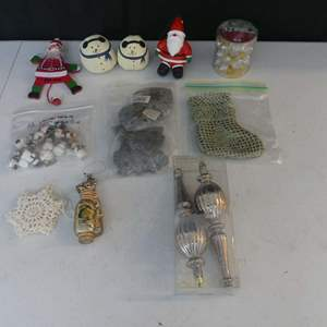 Lot #91 Lot of Christmas Ornaments