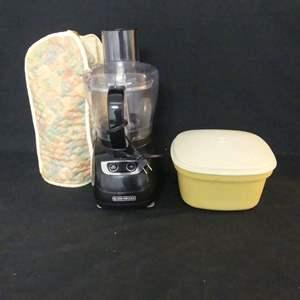 Lot #164 Black & Decker Food Processor Model #FP1700B and Tupperware 3-Piece Steamer Harvest Gold #888-11