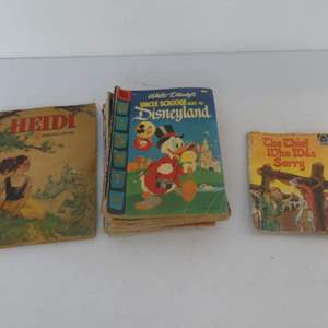 Lot #210 Lot of Vintage Comics