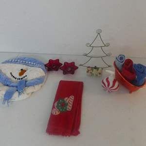 Lot #216 Christmas Bath Decor including Hallmark Green Wire Tree with Snowmen Napkin/Card/Towel Holder