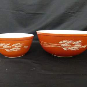 Lot #264 Pyrex Designer Collection Wheat (Autumn Harvest) Mixing Bowls 4-Quart #404 and 1.5-Quart #402