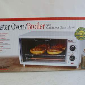 Lot # 23  Interior NEVER USED toaster oven/broiler  (CHRISTMAS GIFT)