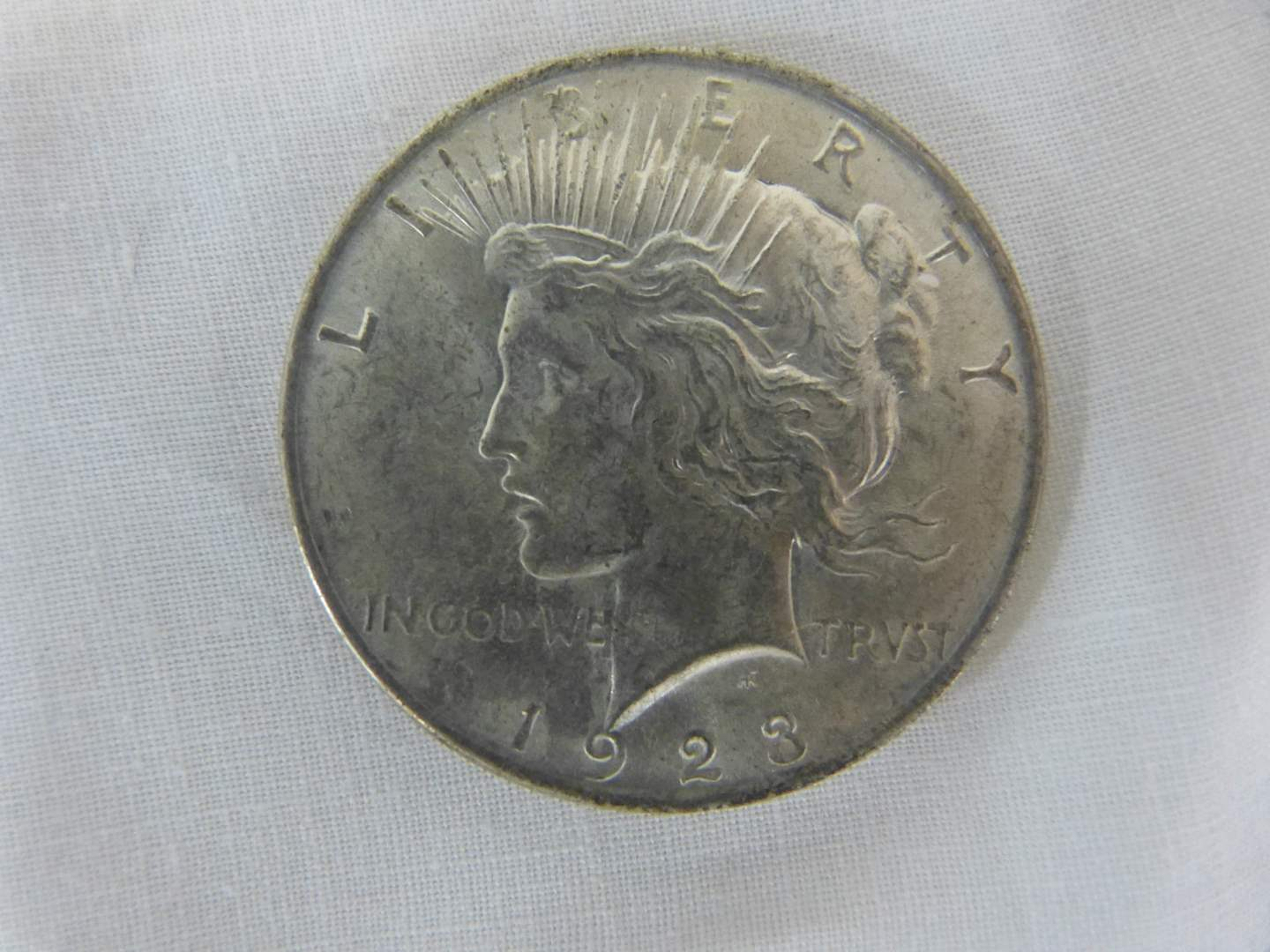 Lot # 103 1923 US SILVER Peace DOLLAR (main image)